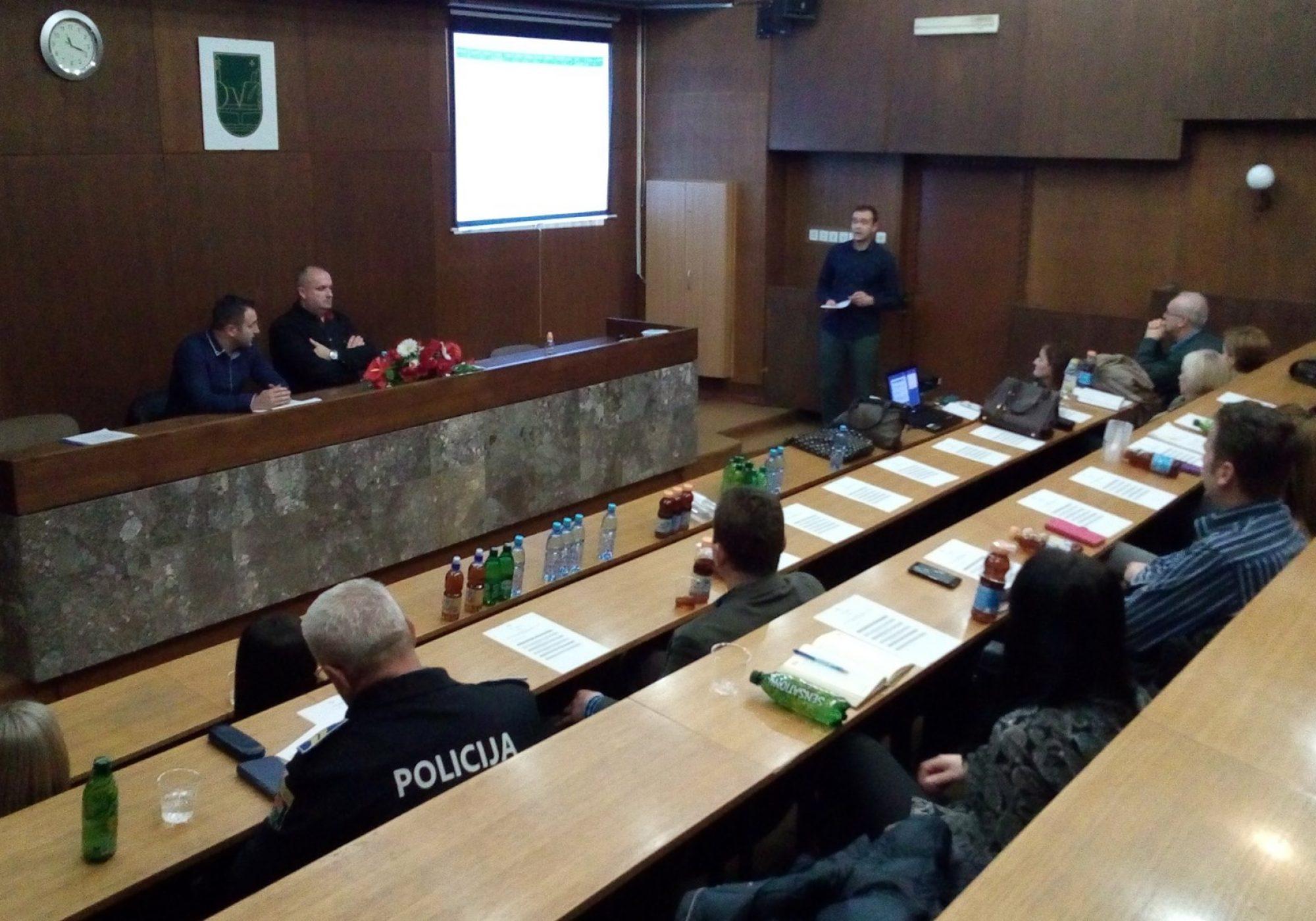 Održana promocija priručnika za profesionalce o postupanju u slučajevima nasilja nad djecom i prosjačenja djece u SBK/KSB