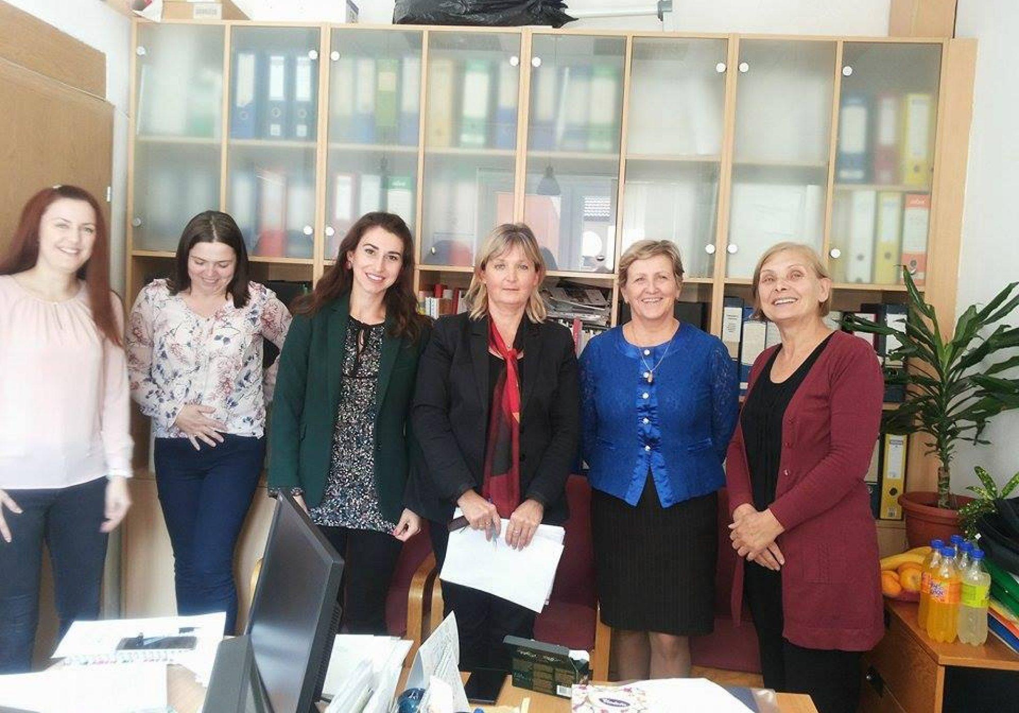 Održani sastanci sa pedagozima i socijalnim radnicima