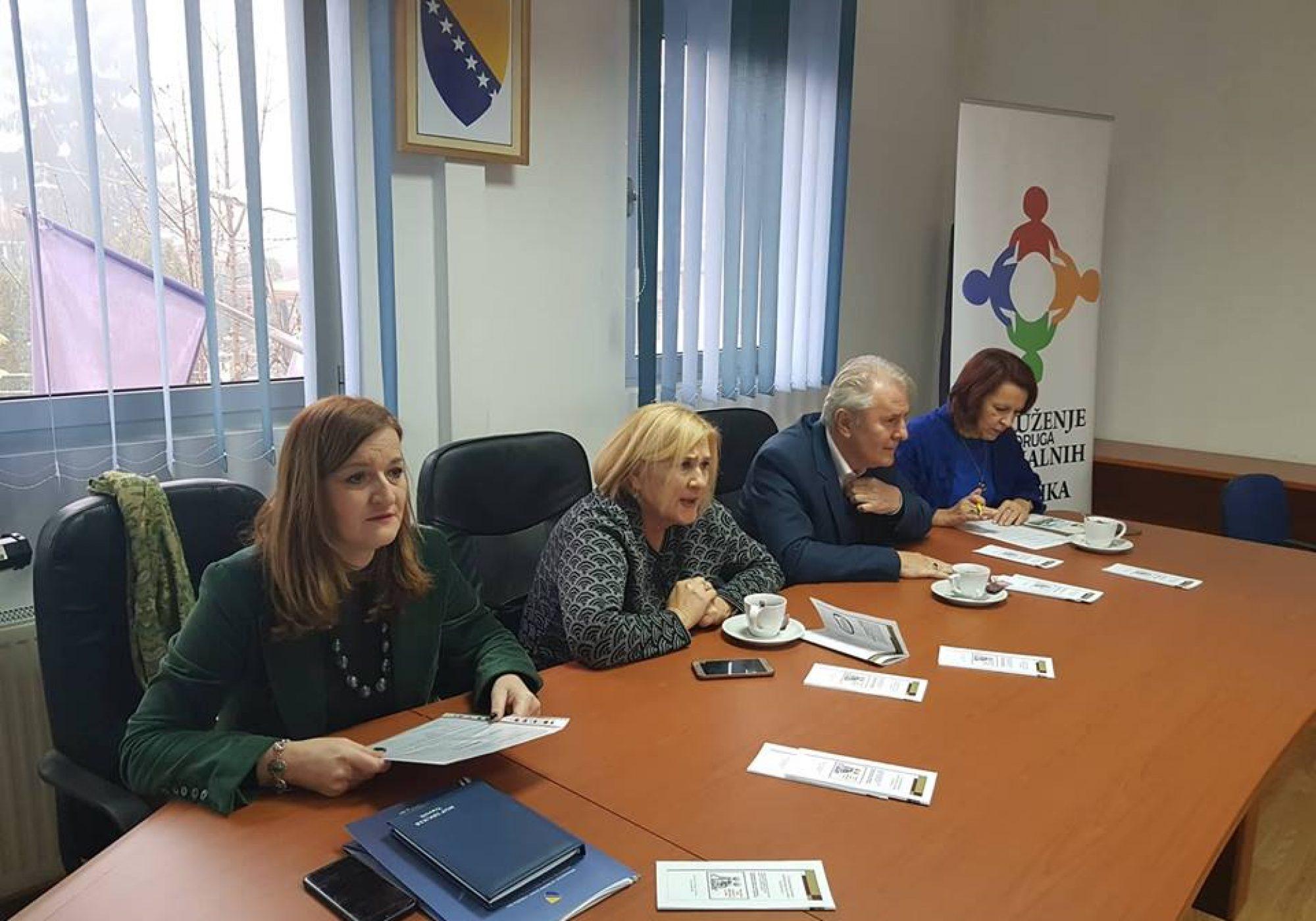 """Održana edukacija u okviru projekta """"Pristupnim rampama ka osnaživanju i poboljšanju kvaliteta života u lokalnim zajednicama osoba s invaliditetom SBK/KSB"""""""